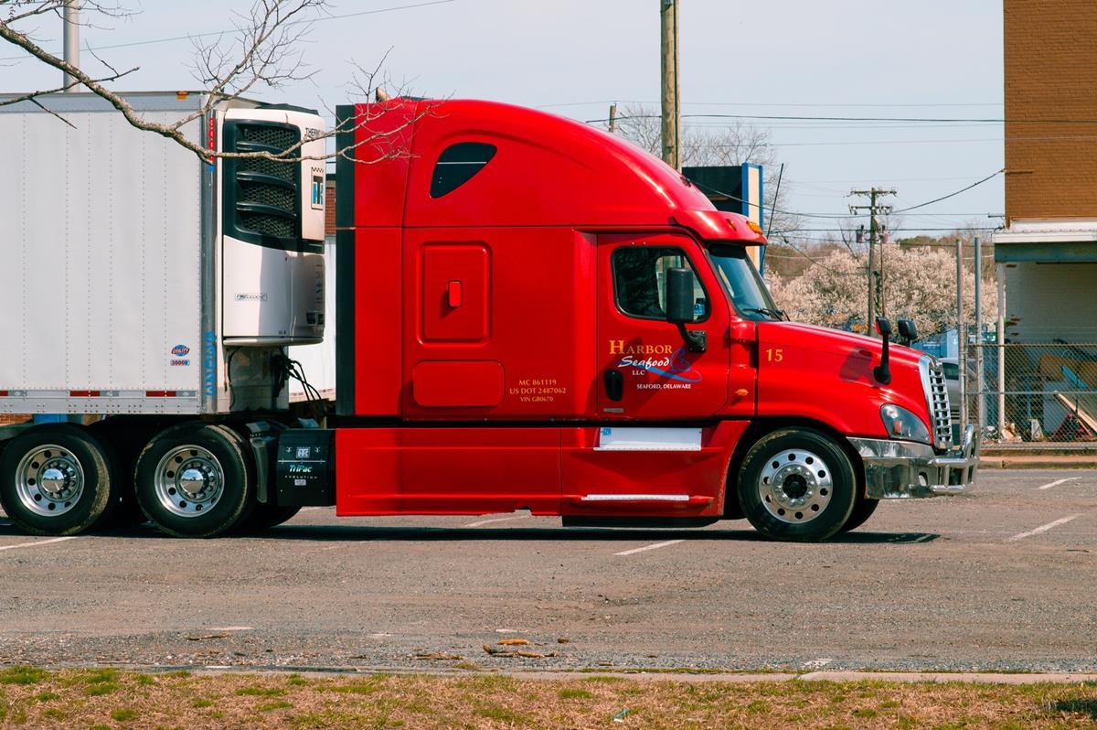 Jak znaleźć dobrej jakości części zamienne do samochodów ciężarowych?